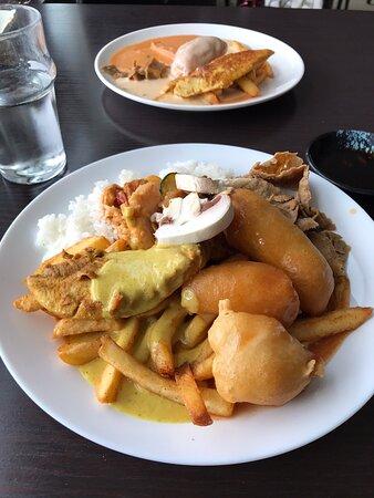 Otroligt fin genuin asiatisk buffé restaurang med personal som vurmar det genuina asiatiska köket i en kärleksfylld asiatisk buffé av bästa slag. Väl värd besök. Dignande buffé med något smakfullt för alla .