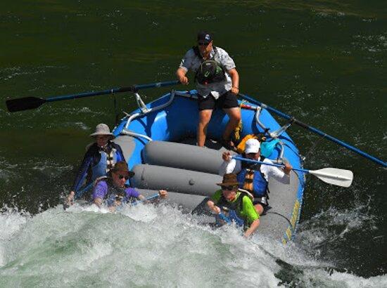 8 millas de Whitewater Standard Raft: Heading into the Big Kahuna