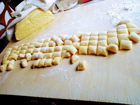 Giovedì gnocchi fatti a mano con le nostre nuove buone patate dell'Altopiano ❤️