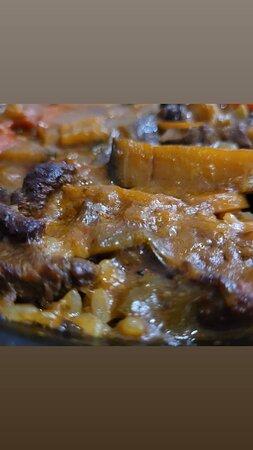 Timbal de berenjena con pera confitada y queso de cabra....Arroz de ternera con verduras