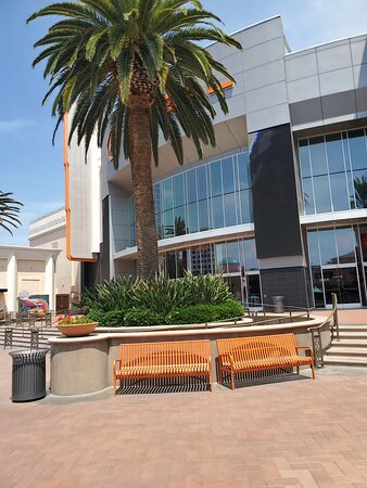 Irvine, CA: Spectrum outside photos