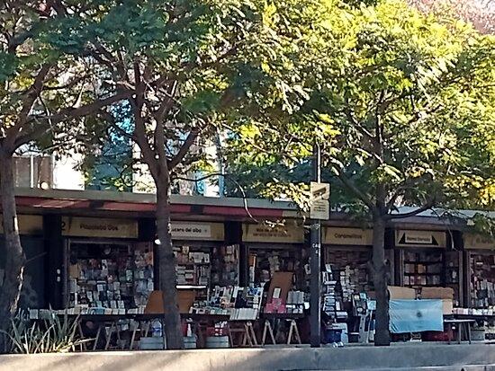 Feria de Libros Plaza Italia