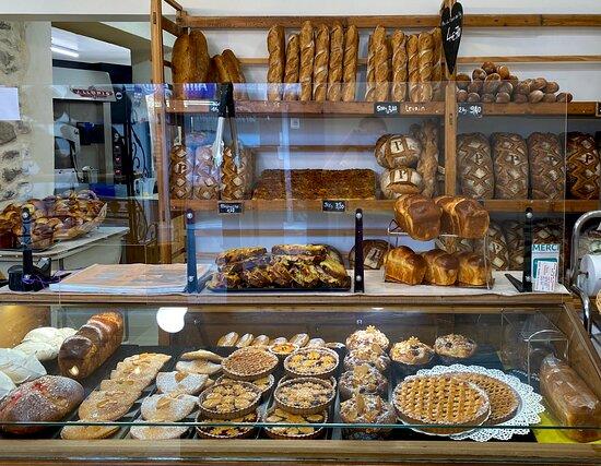 bûche en préparation - Picture of Boulangerie Payan, Chorges - Tripadvisor
