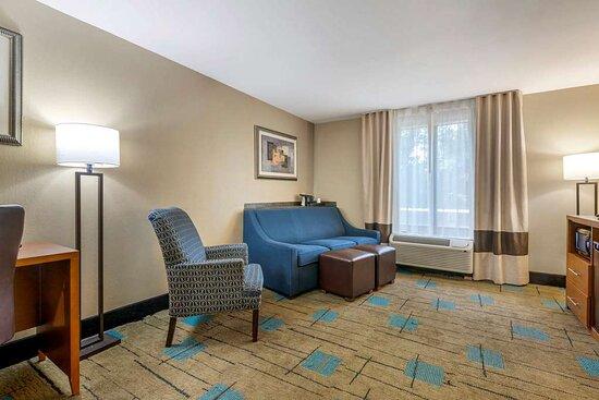 Comfort Suites near MCS Beaufort