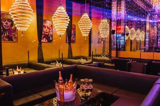 The Office Dubai – Elite lounge
