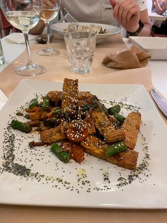 Tallarines con verduras y curry: imagen de Sanus Fuerteventura - Tripadvisor