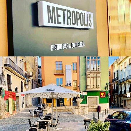 Terraza @metropolisbistroxativa Síguenos por las redes en Facebook e Instagram