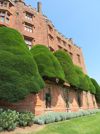 Castle and garden in fabulous sunshine