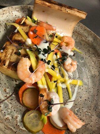 Salada de camarão com palmito