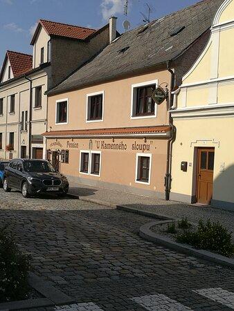 Domazlice, Czech Republic: POHLED NA HOSPUDKU, DOBRÉ JÍDLO, POHLED NA BAR