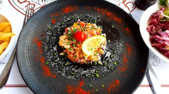 Tartare de saumon, très bonne et belle préparation !
