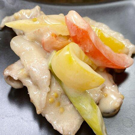 楽しいな~💕素晴らしいな~🎊ライブだな~🎼🤩🍺   旬野菜のマヨソテー アスパラガスとパプリカのパルメザンチーズ焼き アボカドとマグロのわさび醤油和え   祝祭日、振替休日も月・木曜日定休日です😉 変更あったら投稿しますね㊙   💻📱 http://www.thriving-fujino.com/   🆕次回JAZZLIVE予定🎶 ------------------------------ 🎼7/28(水) 18:00~ 中田博🎷 (Ts) 渡辺隆介🎸(Gt) チャージ1000円(税込) ------------------------------   #JAZZ酒場かっぱ #水前寺居酒屋 #水前寺バル #水前寺テイクアウト #水前寺デリバリー