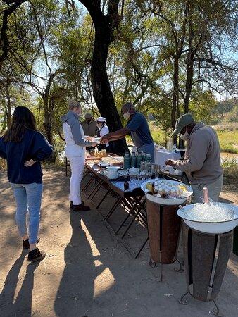 Breakfast during morning safari drive