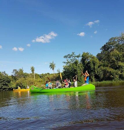 Clorinda, الأرجنتين: El canotaje con la canoa rabaska es ideal para personas sin experiencia de todas las edades y cuerpos.