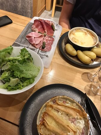 Salade Reblochon - 大博爾南Restaurant la Pointe Percee的圖片 - Tripadvisor