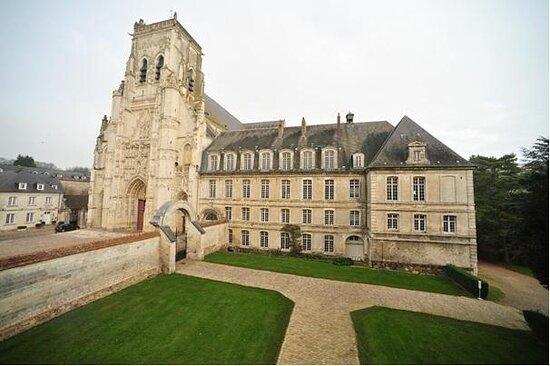 Abbaye de Saint-Riquier - centre culturel departemental