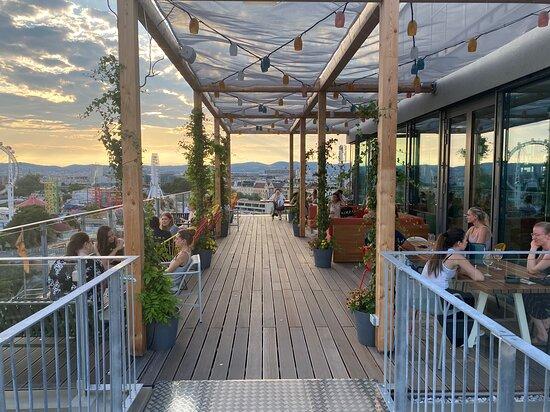Top Hotel/Apartments und Bar!