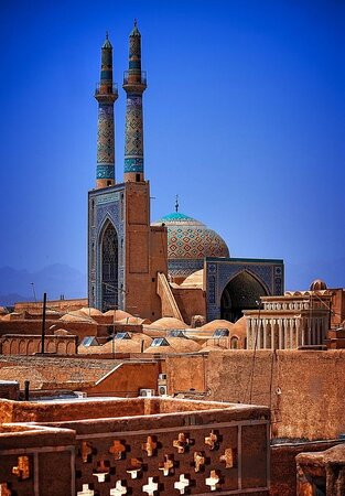 Jame mosque of yazd🕌 (The historic landscape of yazd)  An unforgettable experience that you will tell to your children and even grandchildren.  I try to suggest the best licensed tour that you can ever see.  Only you can make the best decision to enjoy from your lifetime. So Let's go 🧳