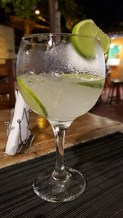 Smirnoff ice bem gelada com Limão é no Boiteko em Arraial d'Ajuda BA!