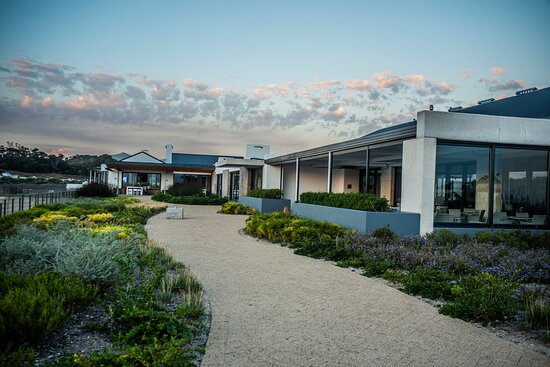 Benguela Cove Lagoon Wine Estate