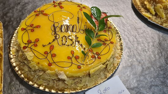 Venha comprovar estas delícias estes bolos deliciosos. E quero desejar um bom dia e bom fim de semana para todos os estimados clientes