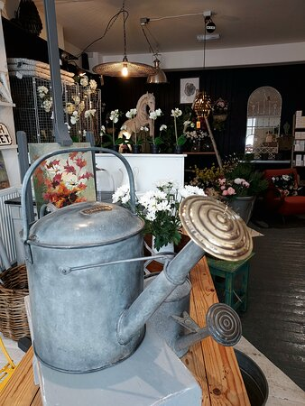 Interesting objects at Home & Colonial - Berkhamsted (30/07/21).