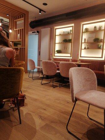 Frühstück bis 14 Uhr! Das Café Tortelier hat ein Herz für Langschläfer*innen. - Изображение Tortelier, Зальцбург - Tripadvisor
