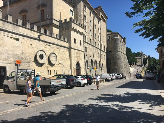 San Marino, Italien: Красивого