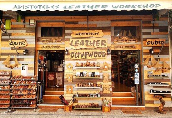 Aristoteles Olivewood Workshop