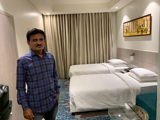 Great hotel near airport