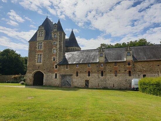 Chateau de Mortiercrolles