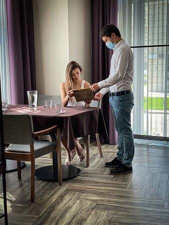 @roastbeef_astana в совершенстве владеет мастерством гостеприимства - согласны?    Приходите к нам за изысканными блюдами, внимательным сервисом и комфортной атмосферой😊     А мы в свою очередь обещаем стать вашим поводом для радости на весь день👌