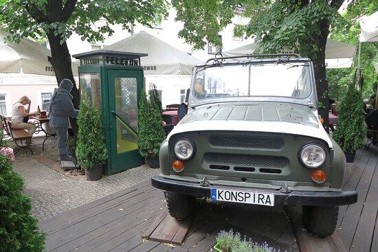 """Foto de Restauracja Konspira, Wroclaw: Einrichtung des """"Wohnzimmers"""" - Tripadvisor"""