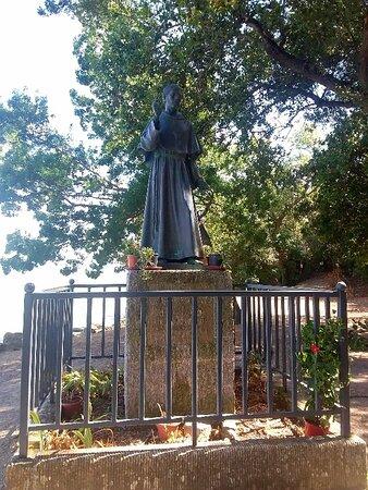 la statua bronzea