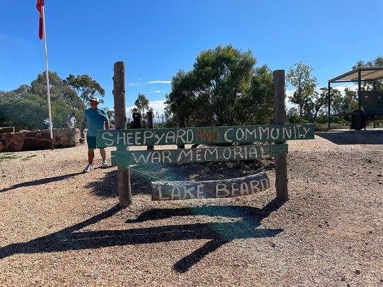 Lightning Ridge Visitor Information Centre