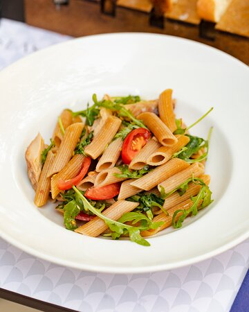 Pasta alla Checca (G, D, F) Warm pasta salad mixed with cherry tomatoes, mozzarella cheese, parmesan shave, canned tuna, and rocket.