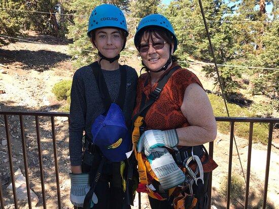 Foto Zipline Tour - 9 high-speed ziplines & fun suspension bridge
