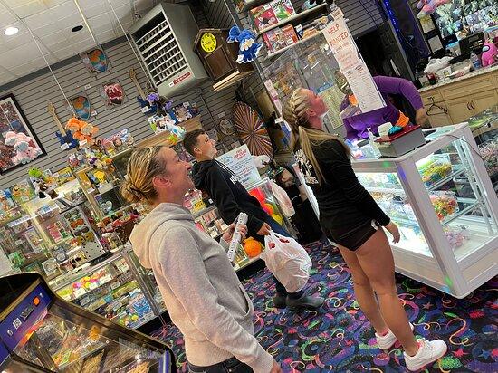 Sonny's & Rickey's Arcade