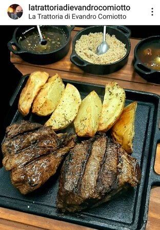 Prime rib Assado na parrilla com legumes, batatas rústicas, farofa, chimichurri, geleia de abacaxi com pimenta e hortelã.