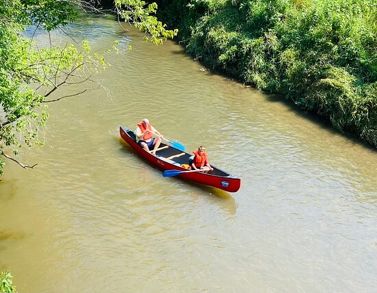 Ontario, WI: Titanic gave us great canoes and kayaks and super service to go with on our parent kid weekend.