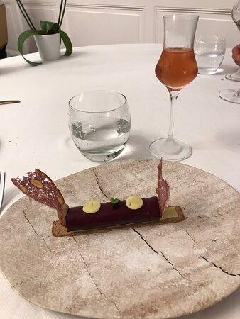 Tripadvisor - Eggs ??? - صورة La Table du Boisniard، Chambretaud