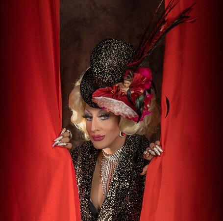 Drag queen Transformiste Lady maxx l'artiste
