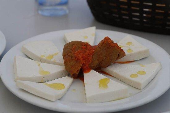 Femes, Spain: Lokale kaas en gofio.