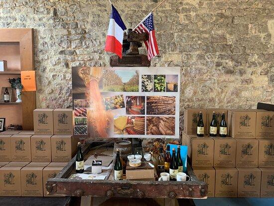 Englesqueville-la-Percee, France: Super gentil et très bonne dégustation Avon également acheter le jus de pomme et le cidre 😀
