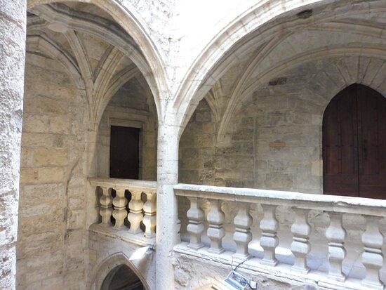Hotel des Barons de Lacoste