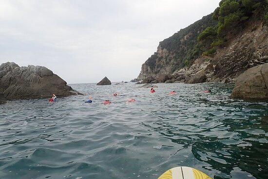 Small Group Kayaking and Snorkeling in Riva Trigoso in Genoa