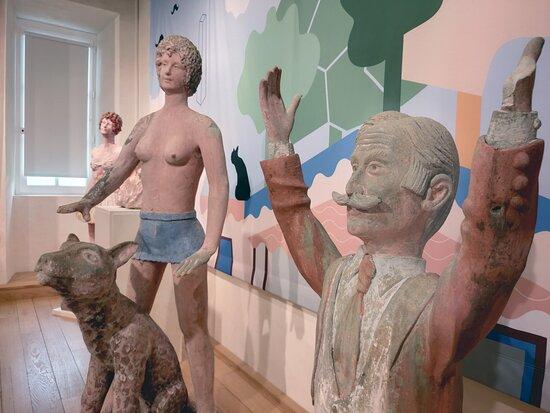 Sculptures de l'exposition 'Le ciment des rêves, l'univers sculpté de Gabriel Albert', en co-commissariat avec le service Patrimoine et inventaire de la Région Nouvelle-Aquitaine.