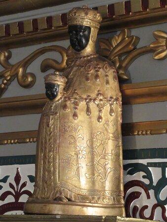 Vierge noire à l'enfant (chapelle musée)
