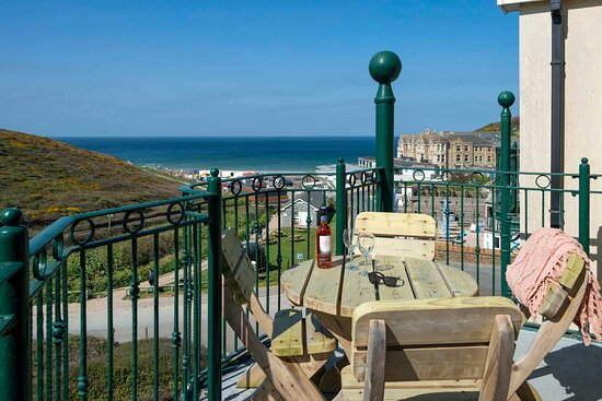 Balcony sea views in 2 bedroom penthouse sea view apartment