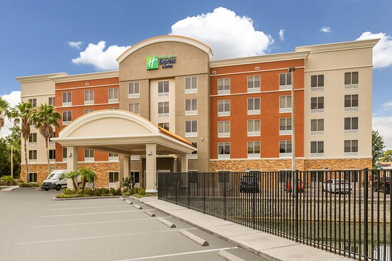 Holiday Inn Express & Suites Largo-Clearwater, an IHG hotel